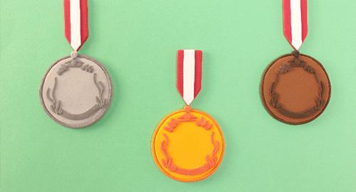 ミスコンコンテストのメダル